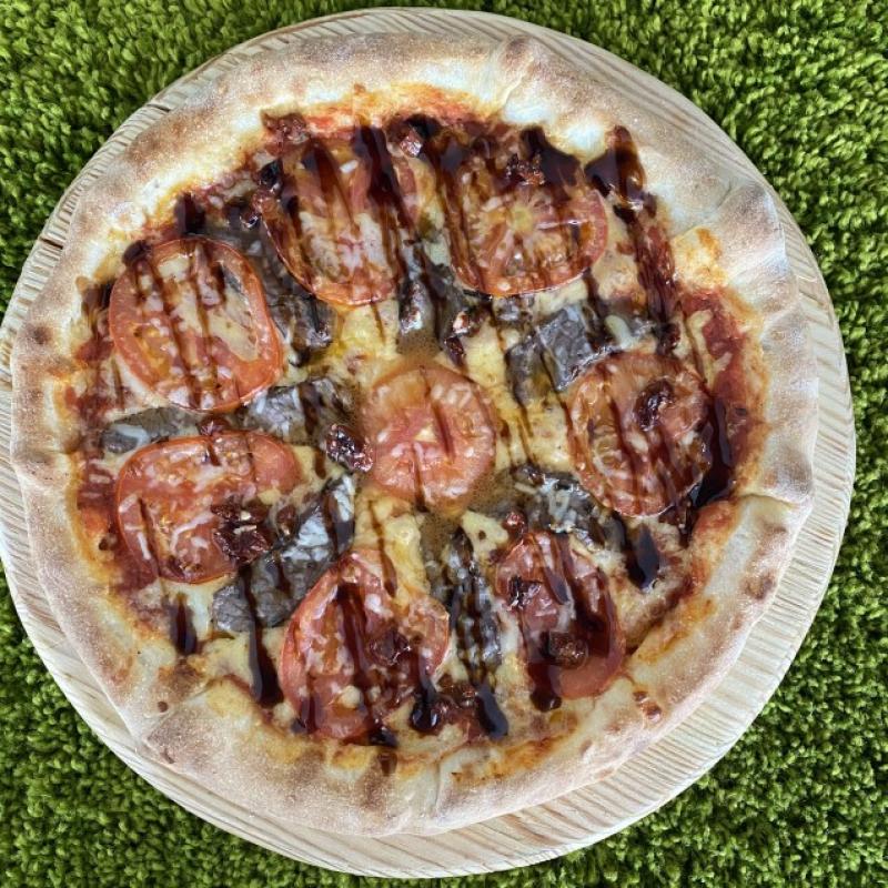 Піца з телятиною су-вид