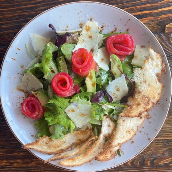 Салат з лососем гравлакс